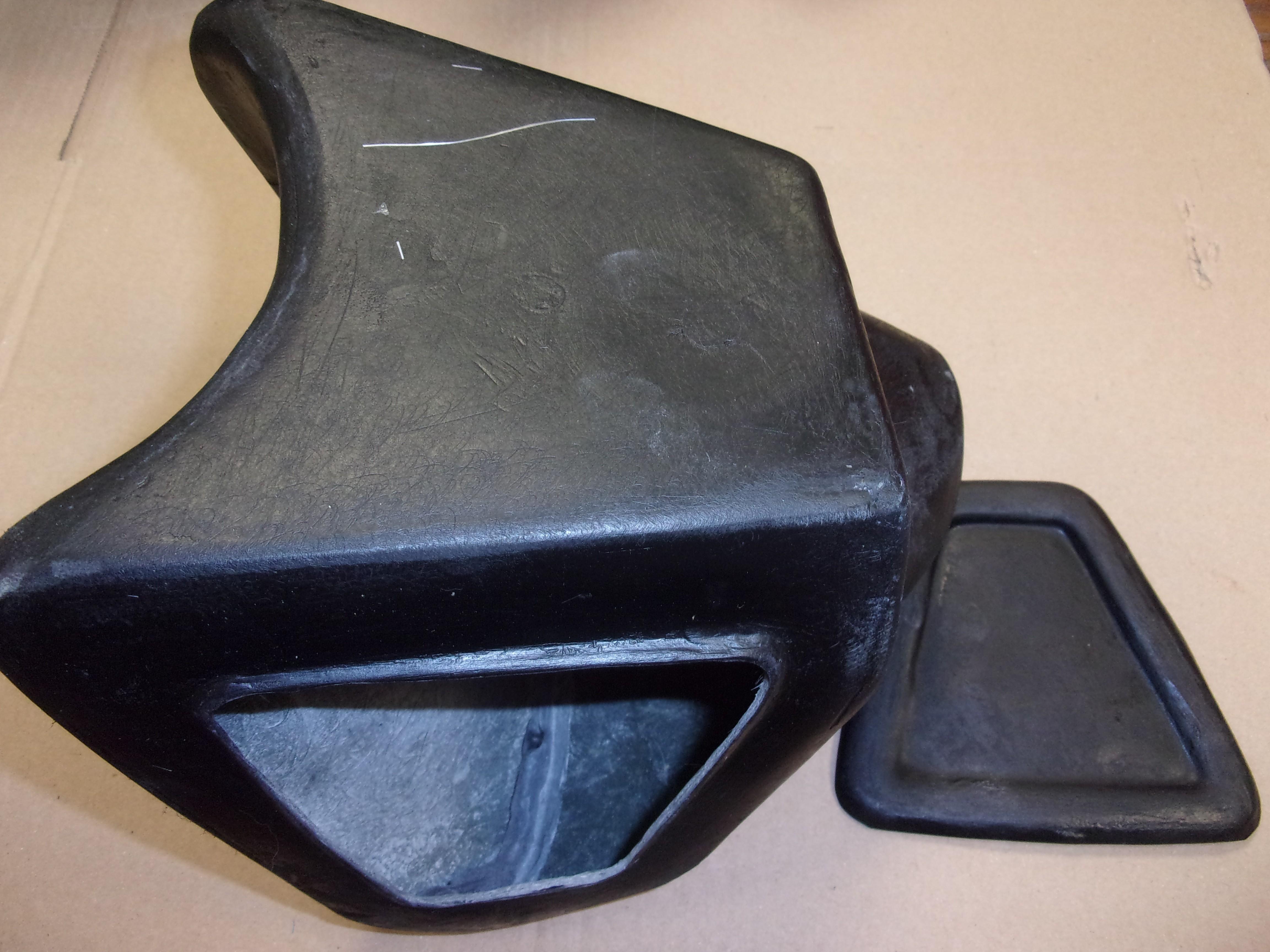 boitier de filtre a air avec trappe pour bultaco