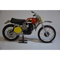 maquette 400 husqvarna de 1970